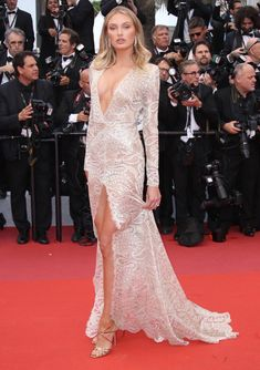 83 Showstopping Red Carpet Looks From the 2019 Cannes International Film Festival Red Carpet Hair, Red Carpet Looks, Lace Dress, White Dress, Elle Fanning, International Film Festival, Cannes, White Lace, Celebrity Style
