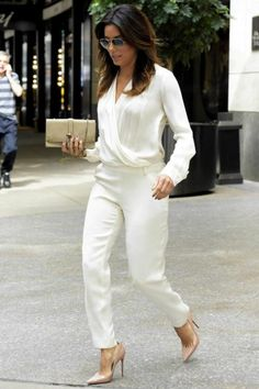 Eva Longoria wearing Chloe Aurore Calfskin Leather Wallet in Rope Beige, Christian Louboutin So Kate Pumps in Nude, Ray-Ban 3025 001 35 Sunglasses in Gold Frame with Blue Gradient Lenses.