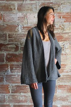 Thing to Wear Cardigan knitting pattern by Allyson Dykhuizen for Holla Knits Winter 2015.