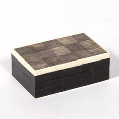 TRIJNCO MEDIUM #Cravt #DKhome #Craftsmanship #Living #Furniture #Accessories #Boxes #Luxuryfurniture