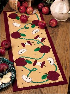 Johnny's Apple Trail FREE sewing pattern download. Find this pattern at FreePatterns.com.