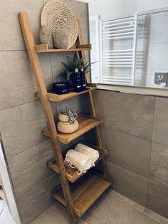 Esthetician Room Decor, Bathroom Interior, House Interior, Bathroom Decor, Interior, Home Diy, Bathroom Remodel Designs, Minimalist Home Decor, Home Decor
