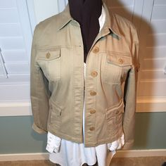 Jones New York blazer Great condition, worn only a couple times. Lots of stretch for comfort. Dress it up or wear it casual or layered. Very stylish and versatile, closet staple. Jones New York Jackets & Coats Blazers