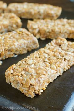 These Chewy Peanut Butter and Honey Granola Bars are the BEST! So easy to make with just 5 ingredients. They are no bake and ready to eat in 10 minutes! Granola Bars Peanut Butter, Chewy Granola Bars, Granola Barre, Snack Recipes, Cooking Recipes, Frugal Recipes, Kid Recipes, Oatmeal Recipes, Free Recipes