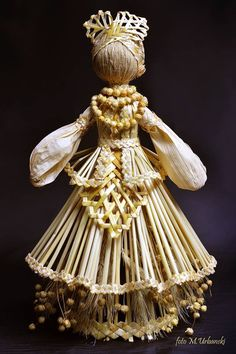 Corn Dolly, Corn Husk Dolls, Female Names, Driftwood Crafts, Art Deco Home, Paper Ornaments, Holiday Decor, Creative, Beautiful