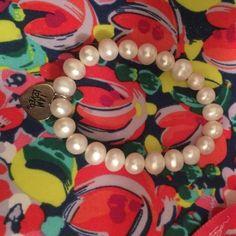 "Pearl bracelet Pearl helzberg stretchy bracelet ""I am loved"". It's a stretchy bracelet so it's basically OS Helzburg Jewelry Bracelets"