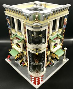 Welcome to the City Museum! Every LEGO city needs a museum, especially one with a Dinosaur Exhibit. This two story Modular Building is the perfect corner building complete with science, history and art exhibits. The modular design comes apart in 3 segment
