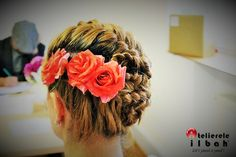 Beautiful spring hairstyle.