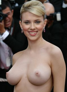 Scarlett Johansson Shows Up At The Oscars Topless
