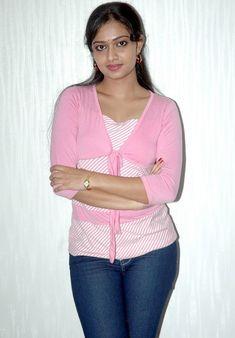 Desi Girl Image, South Indian Actress Hot, Cute Young Girl, Indian Girls Images, Beautiful Girl Indian, Beautiful Women, Girls Gallery, Stylish Girl Images, India Beauty