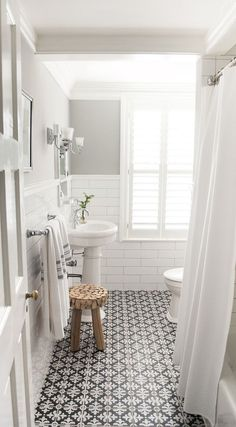 Beautiful Small Bathroom Remodel Ideas (18)