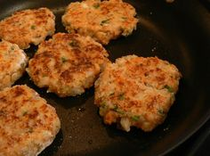 My family and friends loves it and when we have fish fry and I make some shrimp, crab and lobster cakes. It is so easy to fix it. They are so delicious and tasty. Shrimp Dishes, Fish Dishes, Shrimp Recipes, Tasty Dishes, Fish Recipes, Main Dishes, Salmon Recipes, Lobster Cake, Crab And Lobster