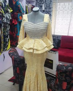 won't you rather get noviannated? Noviann Outfits: Swipe ⬅️⬅️⬅️ left to view more! Making every fabric work the Noviway! Share to DM/WhatsApp Only for price Enquiries. African Fashion Ankara, Ghanaian Fashion, African Print Fashion, Africa Fashion, African Attire, African Wear, African Women, African Beauty, African Lace Styles