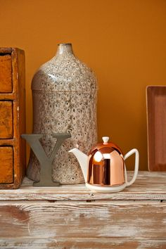 Just beautiful. This Cosy Manto teapot with copper casing. http://www.bredemeijer.nl/collectie/cosy/manto/theepot-cosy-manto-koper-wit-1-0-liter.html