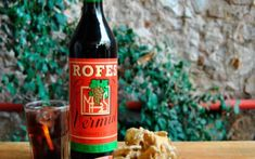 Vols saber les propietats del vermut? Beer Bottle, Drinks, Food, War, Dinners, Mediterranean Kitchen, Warehouses, Co Workers, Spaces