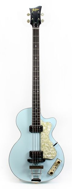 HOFNER Custom Shop LTD Club Bass in Light Blue