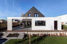 Arjen Reas Architects and Martijn van Voorden Architecture Work Together in This Unique Home in Zoetermeer, The Netherlands