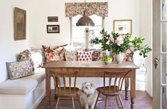 kitchen-breakfast-schuyler-samperton-carolyn-murphy-home-dining-room-dog