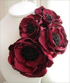 Цветы и украшения из ткани.  Flowers and decorations made of cloth. http://www.handmadiya.com/2012/02/3.html