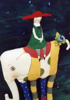 足長象さんと女の子  Rallyeさんでの展示DMに使用。 看板人形でした。 何かに乗ってるシリーズが 最近のお気に入りです。