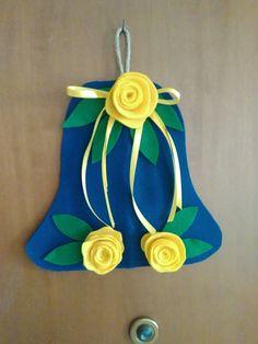Fuori porta pasquale con le rose gialle