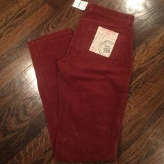 BNWT JCREW MATCHSTICK VINTAGE CORDS SZ 29R Brand new with tags! Stretch vintage cord from JCREW. Beautiful autumnal color of rust. Looks amazing with denim shirt, navy sweater or even black tee! Great fit! J. Crew Pants Boot Cut & Flare