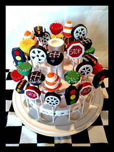 """Car themed cake pops by """"Meridian Sweets and Treats! Cars Cake Pops, Cars Theme Cake, Festa Hot Wheels, Hot Wheels Party, Hot Wheels Birthday, Race Car Birthday, Birthday Party Treats, Cars Birthday Parties, Birthday Ideas"""