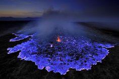 アジアにも沢山の大自然が広がっていますよね。 そんなアジアの大自然の中でも楽しめる箇所を集めてみました! 自然の7選としてご紹介したいと思います。 イジェン火山/インドネシア photo by nationalgeographic.com インドネシアのジャワ島にあるのがこちらの火山。 何が楽しめるというと不|絶景, 自然|アイディア・マガジン「wondertrip」