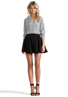 A flare skirt is a great way to add womanly curves and show of great legs!