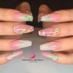 Easter Nail Designs, Christmas Nail Art Designs, Christmas Nails, New Nail Art, Cool Nail Art, Cobalt Blue Nails, Gold Nail Polish, Spring Nail Trends, Easter Nails