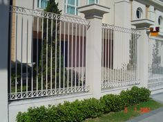 Outdoor Spaces, Outdoor Living, Outdoor Fencing, Fence Gate Design, Pintura Exterior, Compound Wall, Boundary Walls, Grades, Front Gates