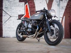 Honda CB750 Cafe Racer by Down side custom #motorcycles #caferacer #motos | caferacerpasion.com