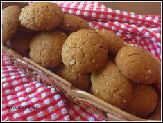 Mayuri's Jikoni: 472. wholewheat jaggery and ginger cookies