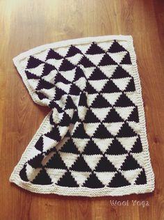 Handmade knitting black&white baby blanket 💕