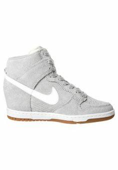 Nike Sportswear - DUNK SKY - Enkellaarsjes met sleehak - Grijs