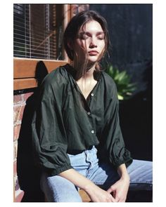 That was a beautiful weekend in the sunshine. Everyday shirt in lightest cotton voile, Mahsa.co.nz #mahsalabel #beautifulimperfection #greenisthecolor #derekhendersonphotography #reneewilkinsfoster #evesorensonmakeup