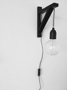 DIY wandlamp | Xenos | Ikea | Snoerenzo Bedroom Lamps, Led Strip Lighting, Diy Lamp, Apartment Deco, Apartment Lighting, Lounge Lighting, Vintage House, Diy Home Decor Projects, Interior Design Styles