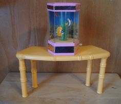 Vintage Barbie Accessories WIND UP AQUARIUM Fish TABLE Furniture Diorama Lot 2