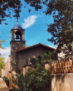 Sedona, Arizona Sedona Arizona, Beautiful Places, Mansions, House Styles, Instagram, Manor Houses, Villas, Mansion, Palaces