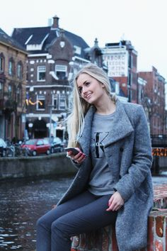 Mijn website is in de lucht! Check de complete outfit op www.ingdependent.com (link in bio) #photograph #fashion #fashionista #fashionblogger #fashionable #outfit #outfitoftheday #streetstyle #streetphotography #model #miss #blonde #makeup #hair #grey #lifestyle #look #streetwear #streetfashion #blogger #hm #zara #calvinklein