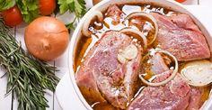 Amikor beköszönt a jó idő aki teheti szabadtéri sütögetésre készül. Mindenki tudja, hogy a legfinomabb grillezett húsok alapja a jó pácolás, hiszen ettől lesz a[...]