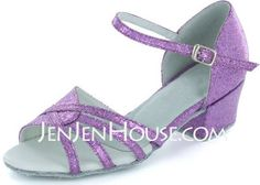 Dance Shoes - $68.09 - Sparkling Glitter Sandals Flats Latin Dance Shoes With Buckle (053022237) http://jenjenhouse.com/Sparkling-Glitter-Sandals-Flats-Latin-Dance-Shoes-With-Buckle-053022237-g22237