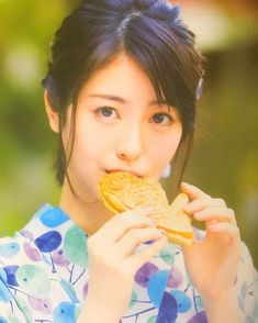Beautiful Japanese Girl, Japanese Beauty, Beautiful Asian Girls, Asian Beauty, Beautiful Women, Yukata Kimono, Young Actresses, Japan Fashion, Portrait Photo