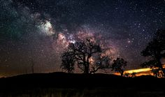 Photographer Randy Halverson from South Dakota has captured stunning images of the night s...
