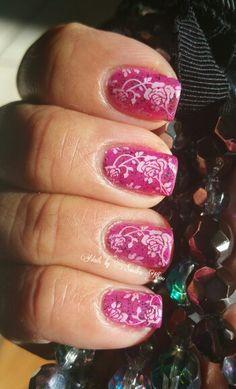 Romantic rose manicure
