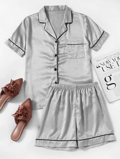 SheIn offers Contrast Piping Satin Pajama Set & more to fit your fashionable needs. Cute Pajama Sets, Cute Pjs, Cute Pajamas, Pajamas Women, Summer Pajamas, Satin Pyjama Set, Satin Pajamas, Pyjamas, Cute Lazy Outfits