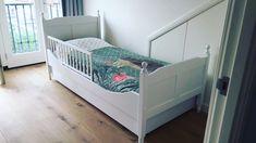 Kinderbed Amalia kan geleverd worden met een los bedhekje. Zo blijft het bed altijd mooi en zonder gaten.