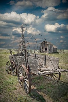 Image of farm scene with covered wagon at Town South Dakota Buy thi Abandoned Farm Houses, Abandoned Places, Western Comics, Western Art, Old Windmills, Barn Pictures, Old Wagons, Country Barns, Covered Wagon