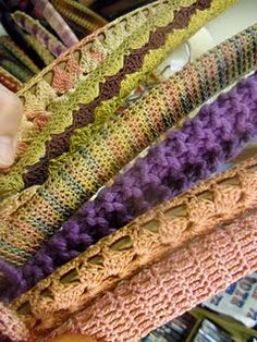 I'm starting to count my weeks in mass' and {pretty, happy, funny, real} posts. ~ Capturing the context of everyda. Loom Knitting, Knitting Patterns, Crochet Patterns, Modern Crochet, Vintage Crochet, Crochet Home Decor, Yarn Bombing, Knit Or Crochet, Couture