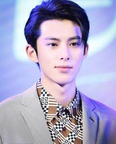 Meteor Garden Cast, Meteor Garden 2018, Attractive Male Actors, Perfect Strangers, Kdrama Actors, Kim Woo Bin, Boys Over Flowers, Korean Star, Asian Actors